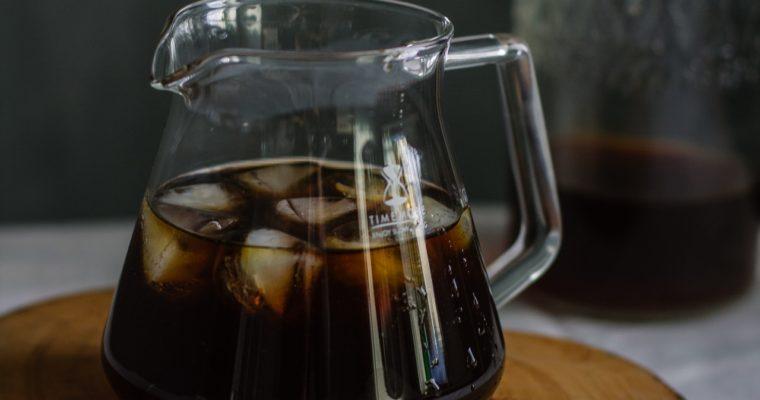 Cold brew coffee: wat is het en hoe maak je het?